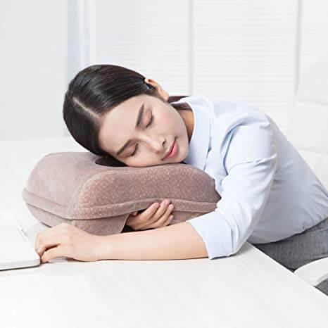 寝 てる 時 よだれ が 垂れる 寝てる時にヨダレが出る原因は?防ぐ方法や対策はあるの?