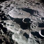 Lunar_crater_Daedalus